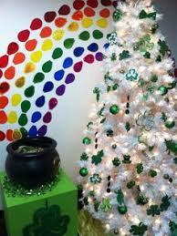st patricks day tree made from dollar tree decorations