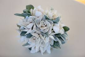 Seashell Bouquet 8 Unconventional Bouquet Ideas Weddingwire