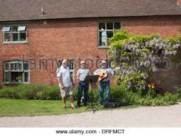 Hellens Barn Folk Singers