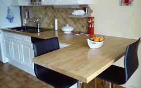 table de cuisine avec plan de travail plan de travail cuisine installation idée de modèle de cuisine