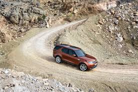 7 interesting features on the new land rover discovery autoguide