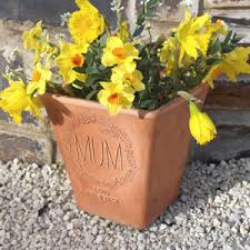 personalized flower pot personalised engraved wreath flower pot by letterfest