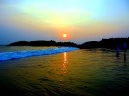 jeep beach sunset top 6 things to do in kerala you can u0027t miss