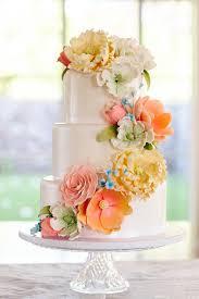 hawaii destination wedding that u0027s not on a beach wedding cake