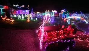 christmas light display synchronized to music holiday light show in the sonoma valley