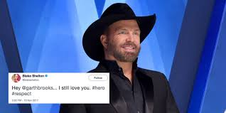blake shelton sexiest man alive reactions twitter reactions to
