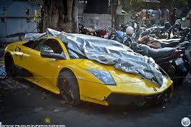 lamborghini sports car price in india crashed lamborghini murcielago in delhi driver identified