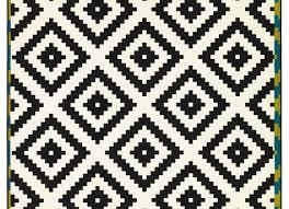 Diamond Pattern Sisal Rug Rugs Black And White Diamond Rug Gripping Black And White