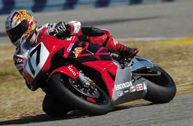honda cbr rr 600 2003 is the 600 cc race replica doomed to extinction revzilla