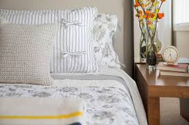 order of pillows on bed types of bedding list of basic terms and items