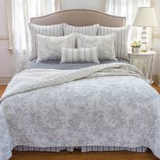 Quilted Bed Valance Toile Bedding The Best French Toile Bedding Sets Sale View Now