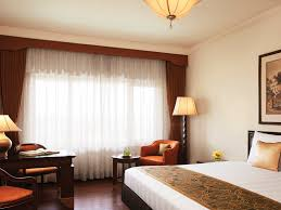 lavishly appointed luxury room in kolkata at taj bengal