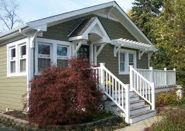 turning a plain jane house into a craftsman style cottage hooked