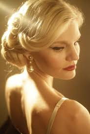 party hair style for aged women the 1950 s hairstyles are making their way back to current trends