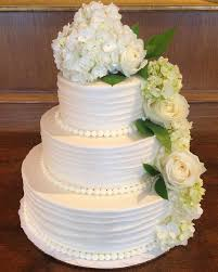 classic wedding cakes wedding cake designs traditional yet classic looking