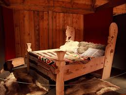 ever since i saw this at lofotr i have wanted to have a bed like