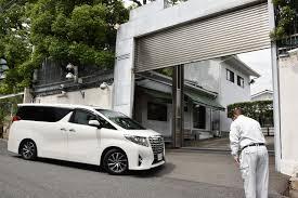 syndicate car yamaguchi gumi henchmen make kobe kids an offer they can u0027t refuse