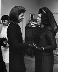 jaqueline kennedy jackie kennedy and coretta scott king at mlk u0027s funeral huffpost