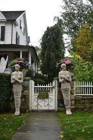 halloween decor outside house themontecristoscom outside