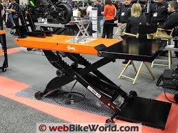 Motorcycle Lift Table by Handy Motorcycle Lift Webbikeworld
