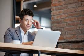 do you need objective on resume does a resume need an objective resume tips for when you re overqualified for a job