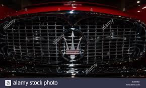 maserati grill emblem maserati emblem stockfotos u0026 maserati emblem bilder alamy