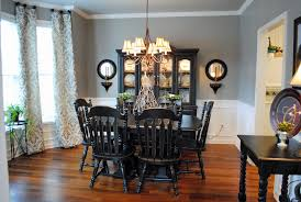 Chair Rails In Dining Room by Country Dining Room With Chandelier Crown Molding Wainscotting