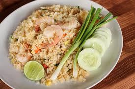cuisine asiatique recette recette de riz frit avec la crevette cuisine asiatique photo stock