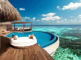 luxury island resort w maldives