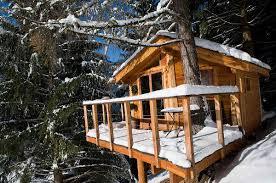 chambre cabane dans les arbres la cabane dans les arbres et le chalet dans les arbres savoie mont