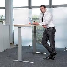 kinnarps asymmetrische freiform sitz steh schreibtisch works ge comfort