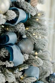 christmas decorations blue themed featured in elledecor