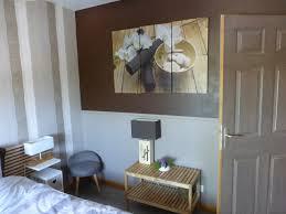 chambre fleurie 2285 jpg