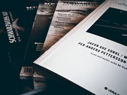 download desain majalah gambar fotografi iklan jurnal merek produk fon desain teks
