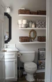 bathroom shelf idea 17 best ideas about decorating bathroom shelves on