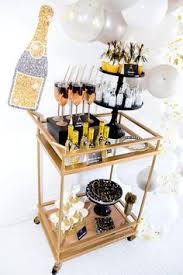 Black And Gold New Year Decorations by Host A Fabulous New Year U0027s Eve Party Holidays Nye Party And