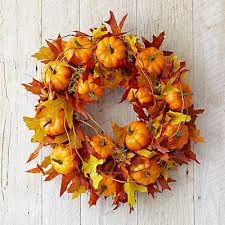 maple leaf pumpkin wreath i can make this myself using leaves