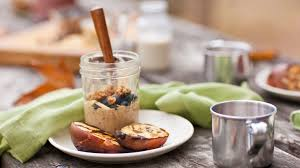 Meals In A Jar by 18 Mason Jar Breakfasts To Help Make Busy Mornings Bearable