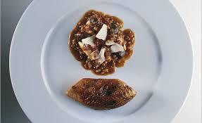 cuisiner une poule faisane faisane rôtie polenta sauce aux cèpes par alain ducasse