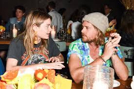 dinner host rowe sally singer and lisa love host denim dinner in la 4 5 2017