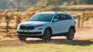 skoda kodiaq price 2017 skoda kodiaq review 132tsi petrol chasing cars