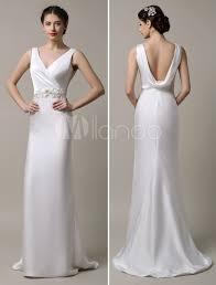 robe de mari e satin robe de mariée fourreau satin ivoire col v avec traîne milanoo