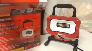 420 lumen led work light this is a snap on 2000 lumen led work light youtube