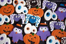 the royal icing queen halloween cookies spiders creepy eyes