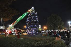community gathers for fifth annual tree lighting