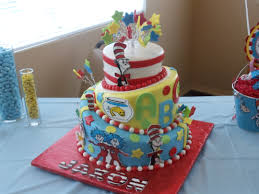 Cool Halloween Birthday Cakes by Best 20 Dr Seuss Cake Ideas On Pinterest Dr Seuss Birthday Dr