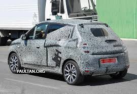 renault twingo 2013 new renault twingo spied in production body rwd rear engined