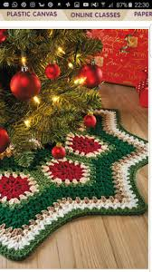 happy holidays tree skirt free crochet pattern on mooglyblog com