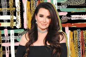 kyle richards needs to cut her hair did kyle richards move the real housewives star explains the