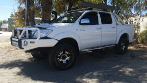 2017 toyota hilux sr5 double cab 4x4 manual review loaded 4x4
